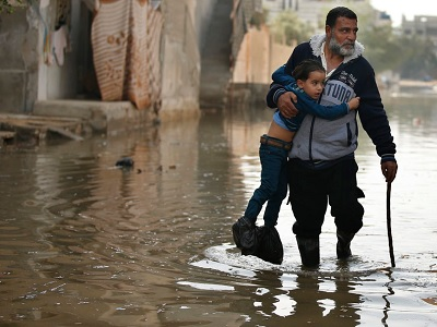 http://www.palestinechronicle.com/wp-content/uploads/2013/11/gaza_sweage_flood1.jpg