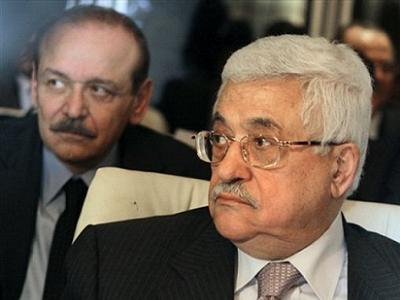 Abed Rabbo (L) was one of those closest to Mahmoud Abbas in his political circle.